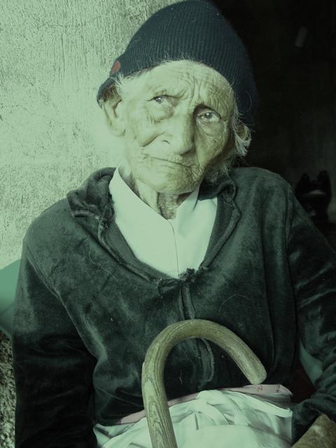 Copia (2) de Anciana 1
