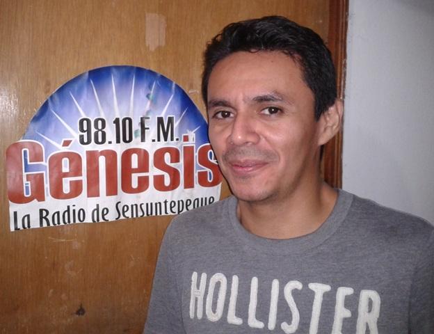 Arecio De León en el programa Música de Sensuntepeque 2014-08-22 22.37.23