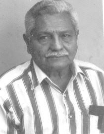 Raúl Rodríguez blanco y negro