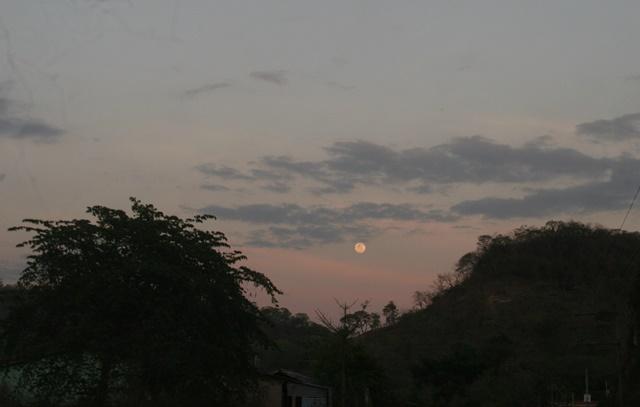 Luna de día 1